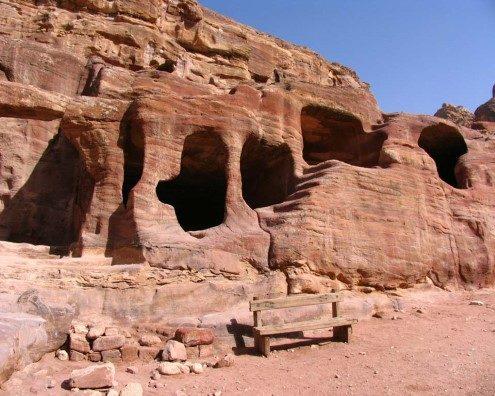 las cuevas en Petra