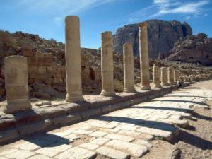 alle de las Columnas en Petra